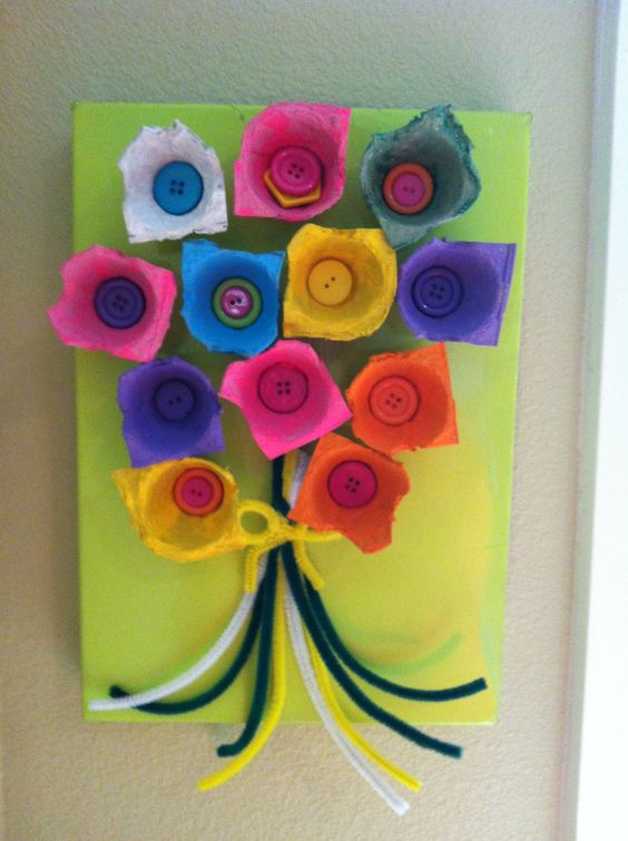 egg carton wall flowers
